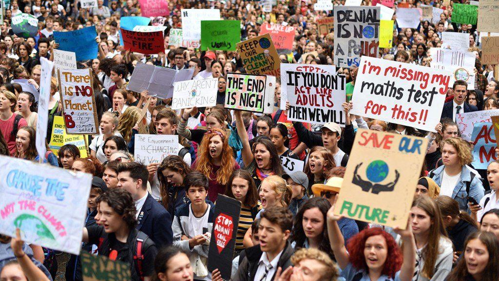Se o clima está sujeito à nossa intervenção, ou seja, tem causa Antropogênica, é o que podemos determinar com os estudos, mas não é difícil de intuir.
